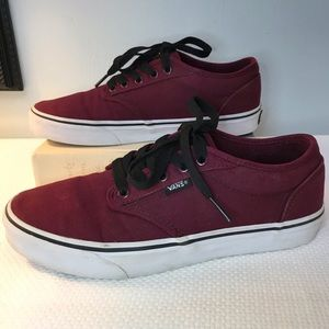 Vans classic burgundy laceups. Men's 7.5 Women's 9